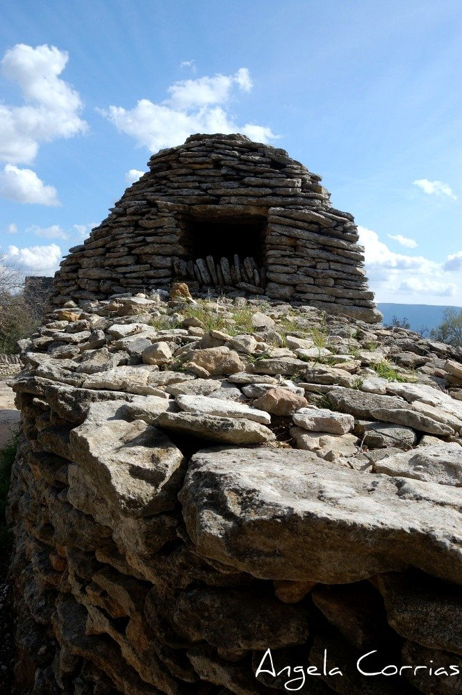 Image: Stone hut in Village des Bories in France