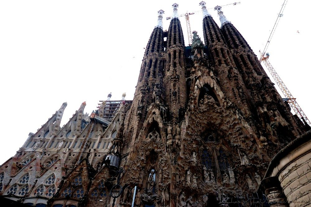 A trip, a photo – Gaudi's La Sagrada Familia all around