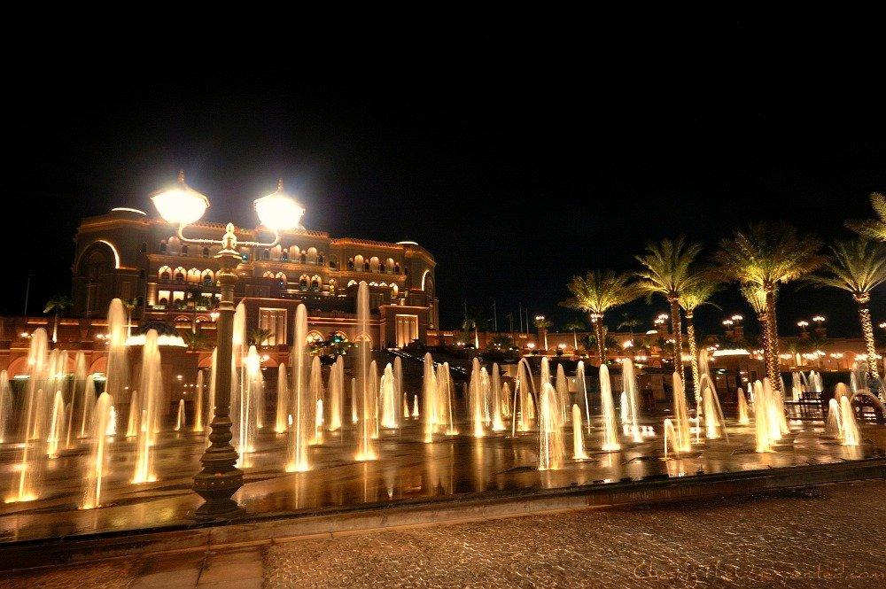Emirates Palace in Abu Dhabi, when poverty is not an issue