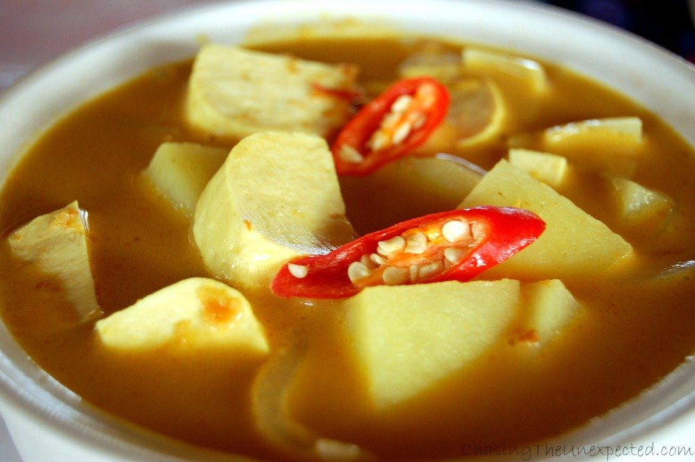 Yellow curry with tofu and potatoes