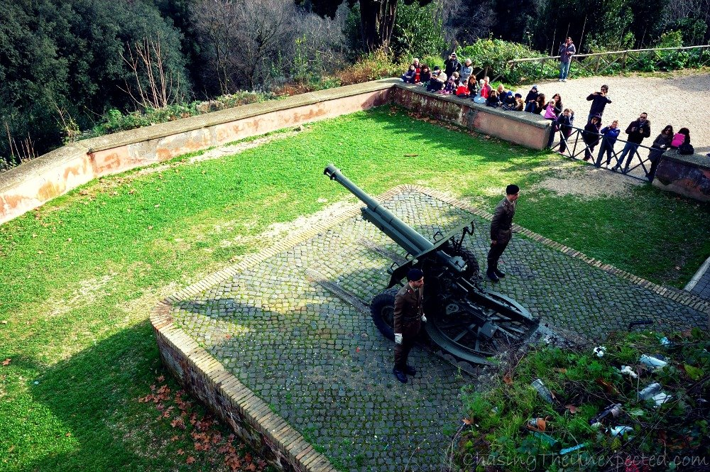Soldiers ready to fire the blank loaded cannon on the Janiculum Hill