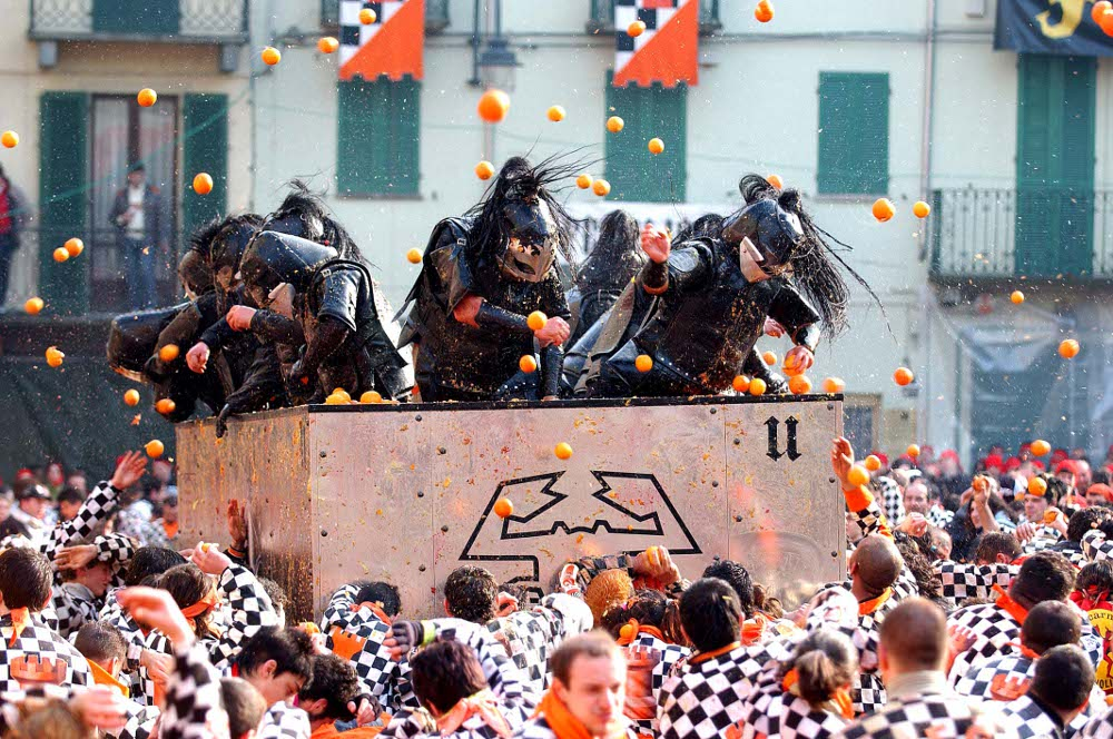 Battle of the Oranges ivrea