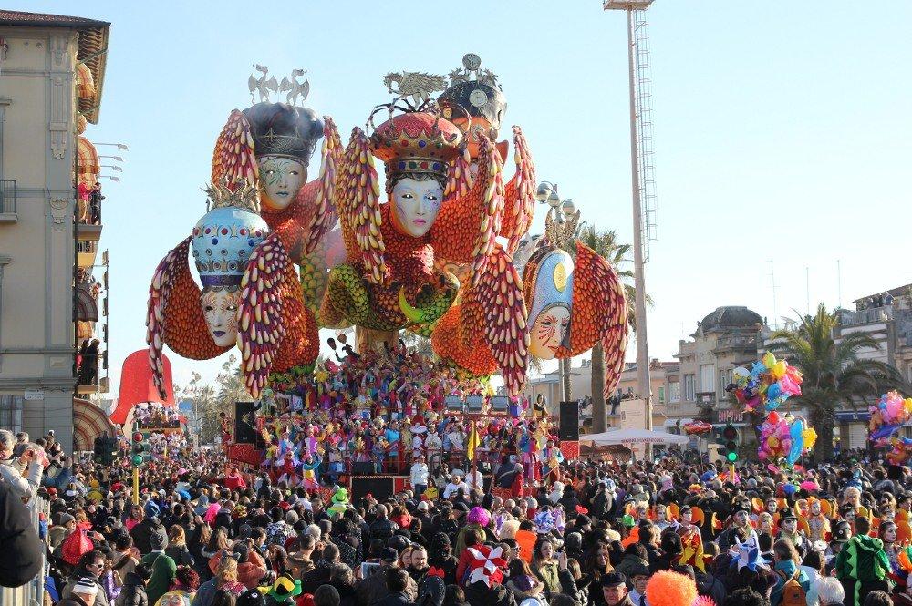 viareggio carnival in italy