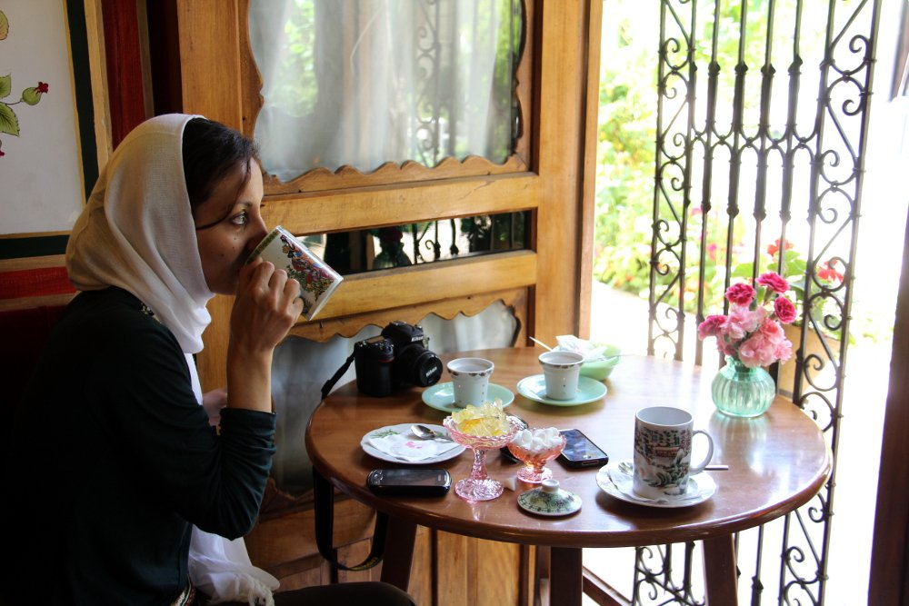 Female travel to Iran: is it safe?