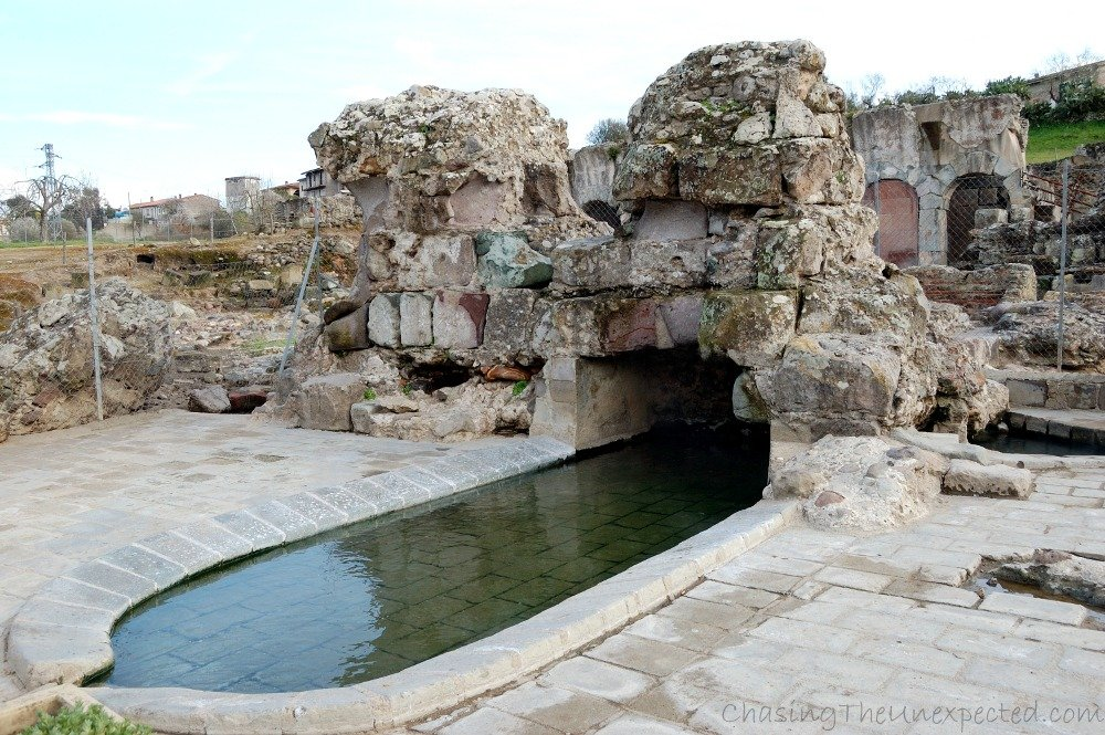 Fordongianus, history, thermal baths and authentic Sardinia holiday