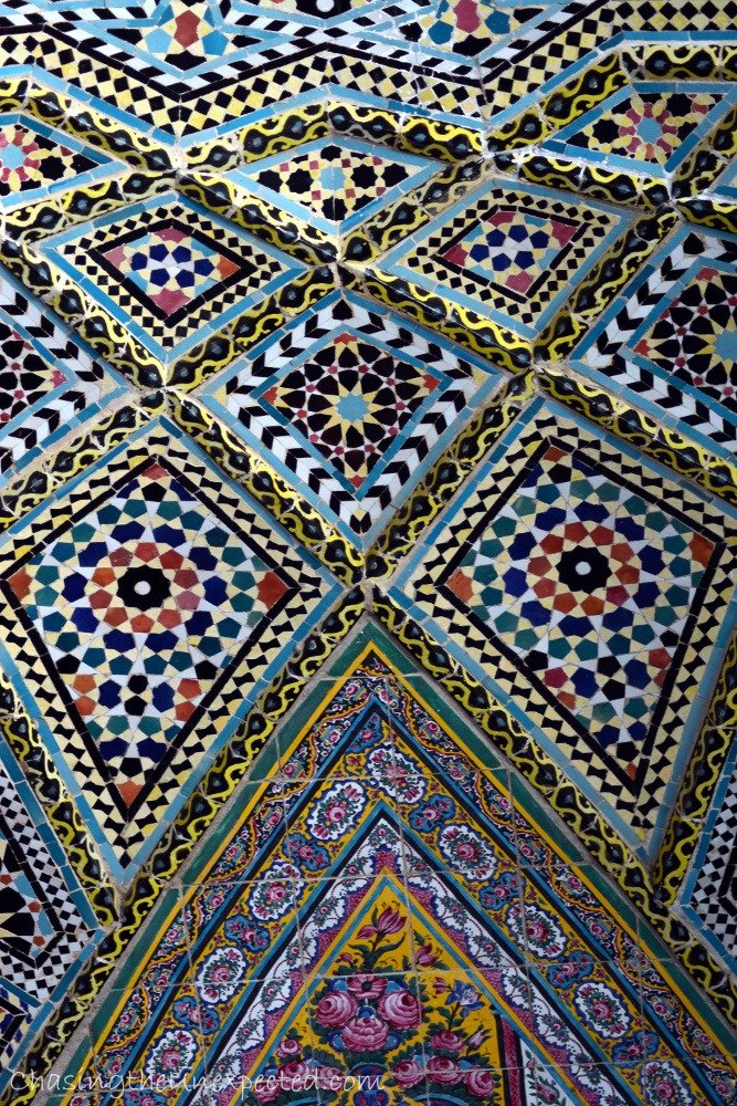 Closer detail of the ceiling outside the mosque