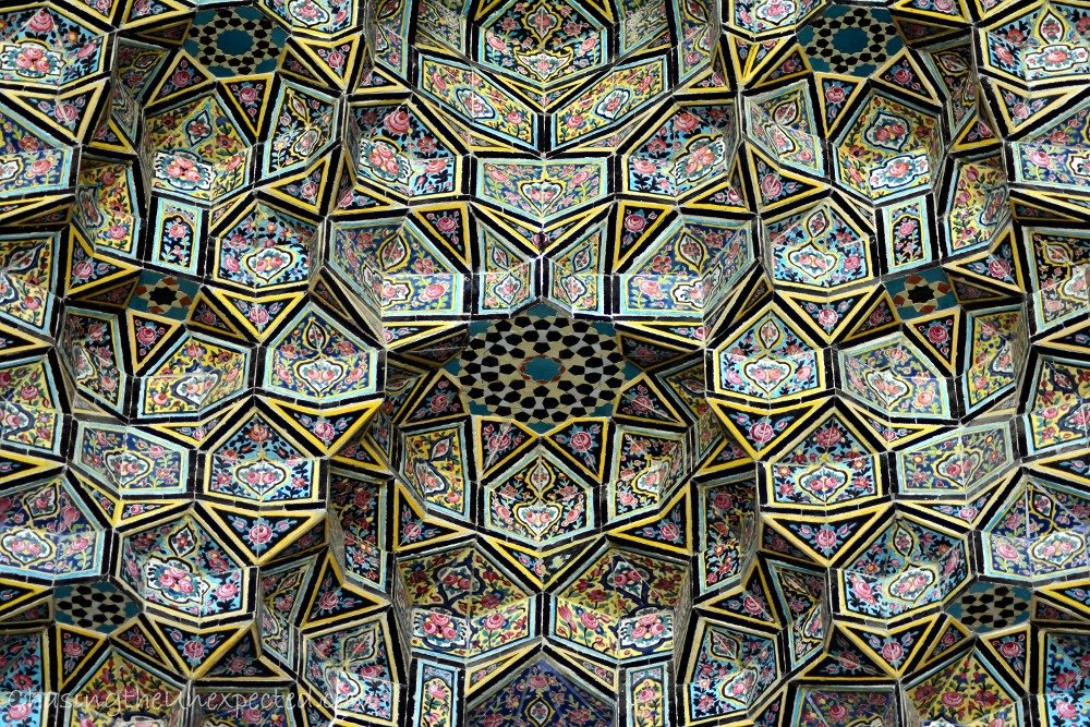 Closer detail of the muqarna