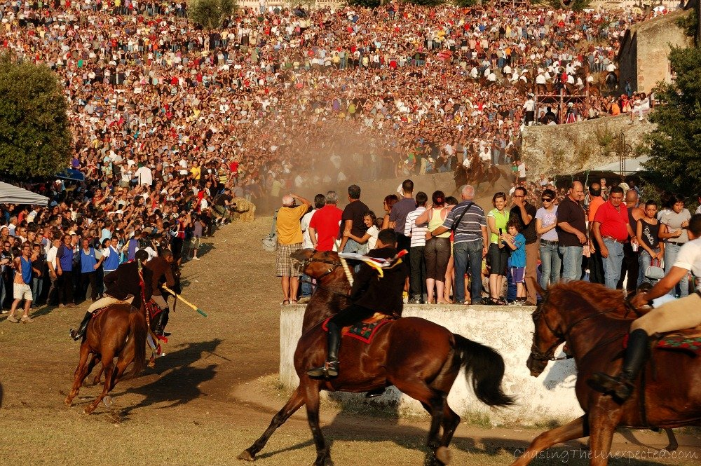 S'Ardia horse race in Sedilo to discover the real Sardinia