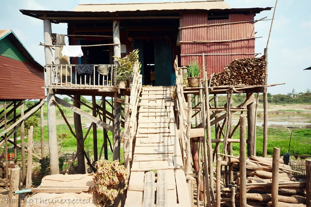 Stilted house in Kompong Khleang