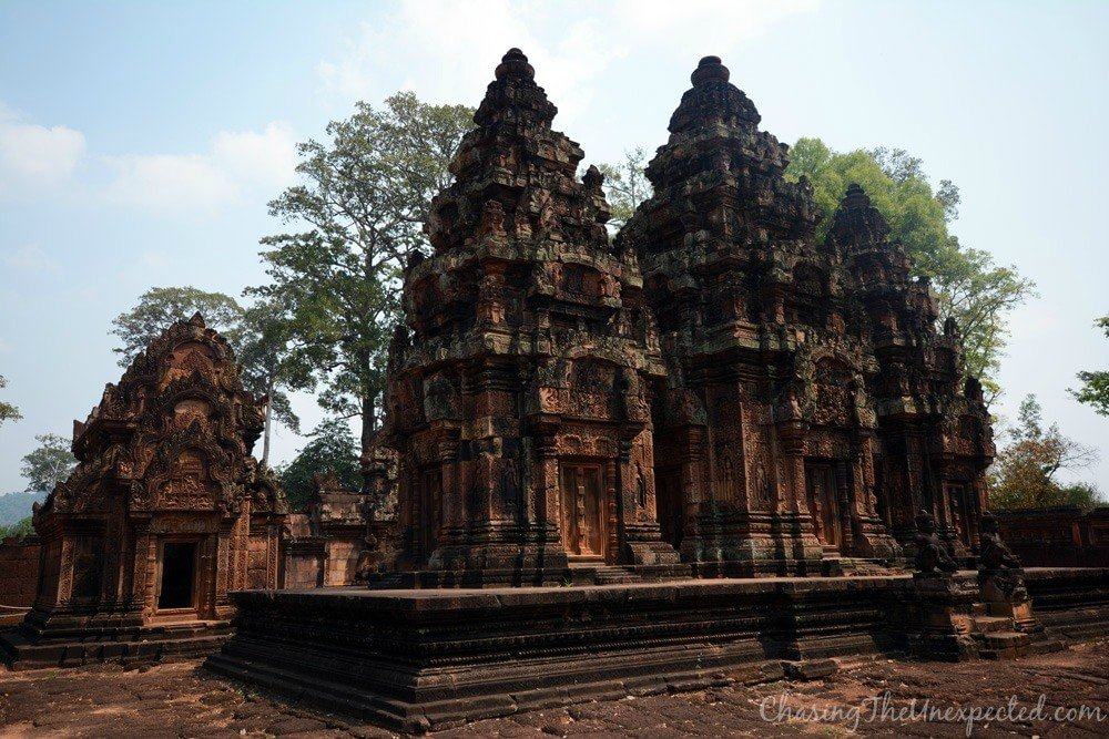 Wider view of Banteay Srei