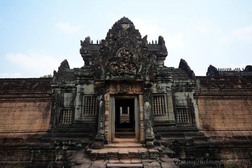 Entrance of Banteay Samre temple ruins