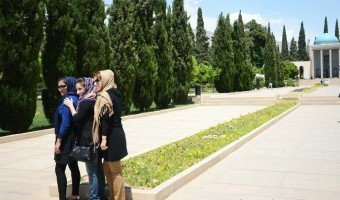 Iran dress code: tips on what to wear in the Islamic Republic