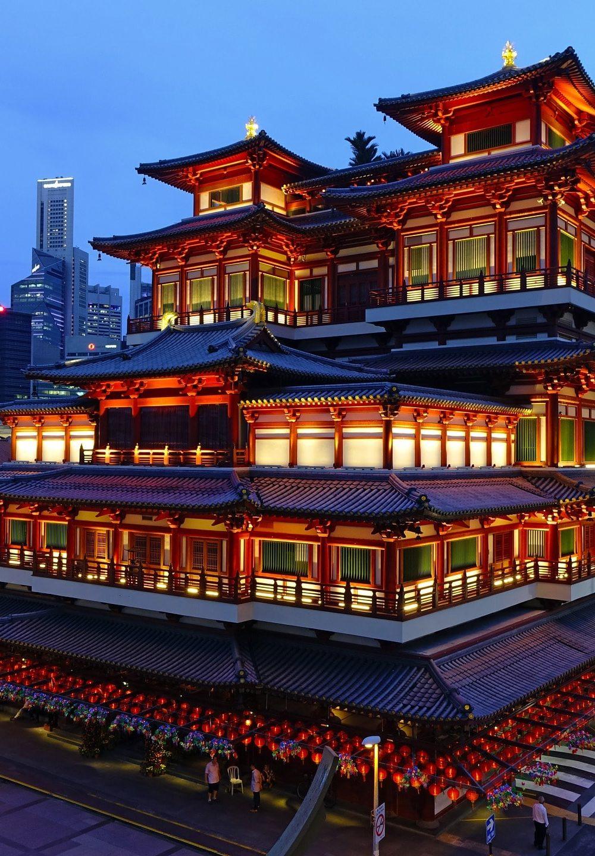 Top 10 reasons to visit Singapore