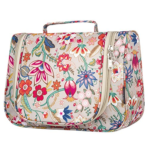 bdf13e2894 The best hanging travel toiletry bags  the ultimate buying guide -