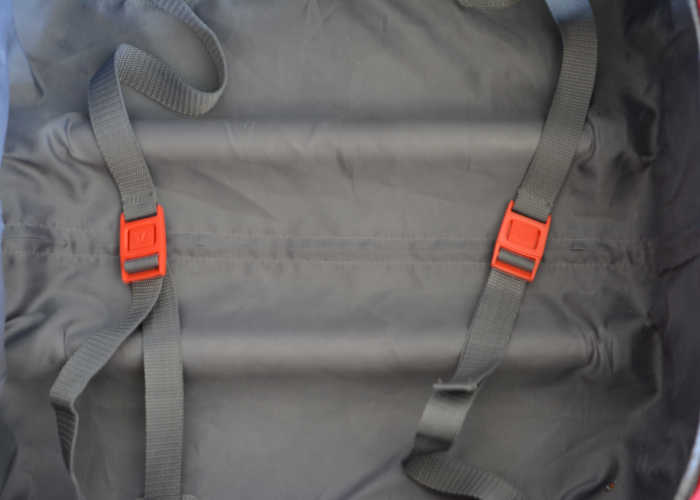 softshell carry-on spinner bag straps