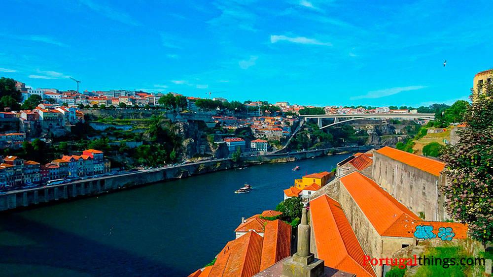 Image: Douro River in Porto