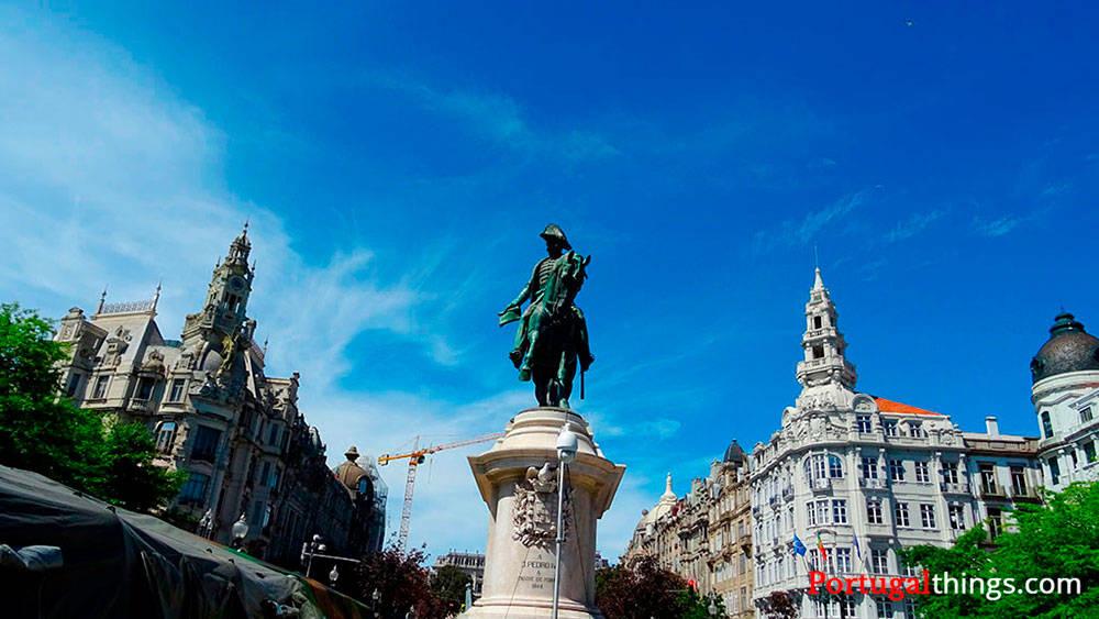 Image: Aliados square in Porto
