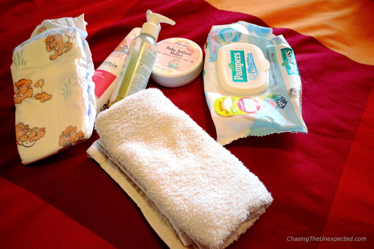 Image: Baby diaper changing kit