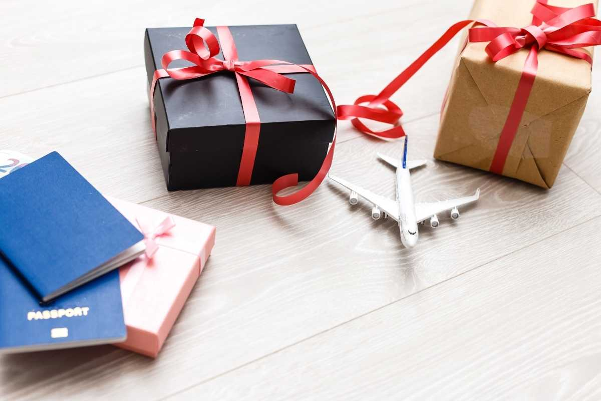 Image: Best gifts for travelers