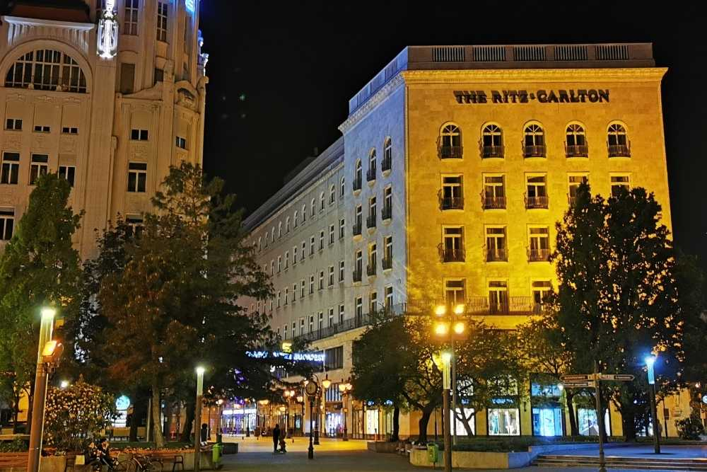 Image: Ritz-Carlton Budapest 5-star hotel