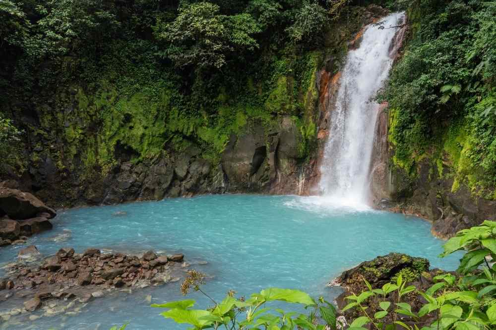 Image: Rio Celeste in the best Costa Rica vacation packages