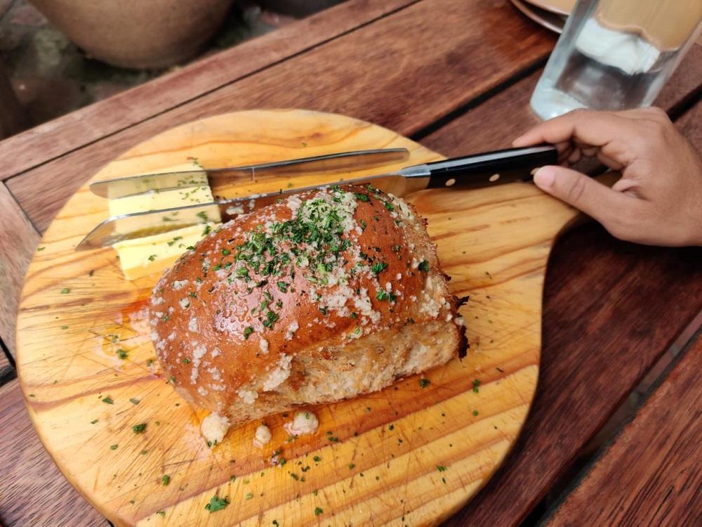 Image: Garlic bread at Cow Restaurant in Queenstown