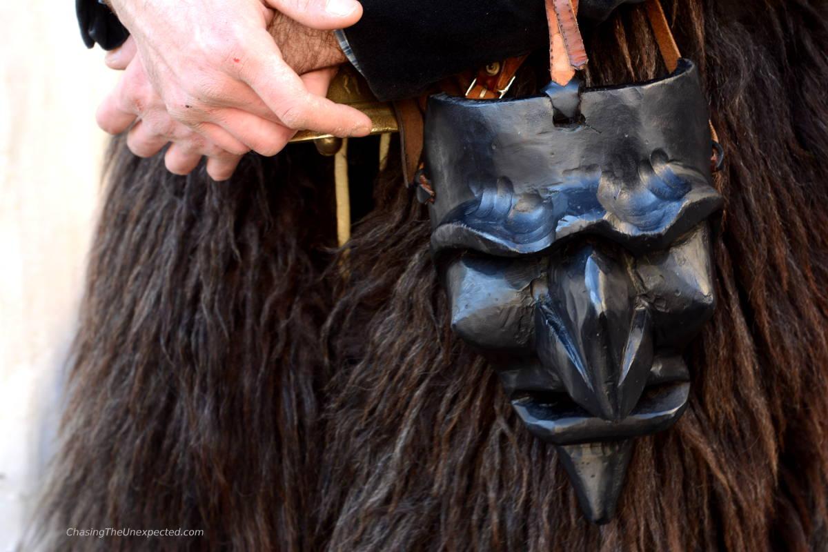 mamuthones mask sardinia