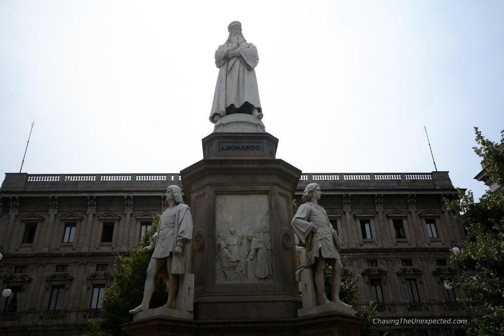 piazza della scala milan